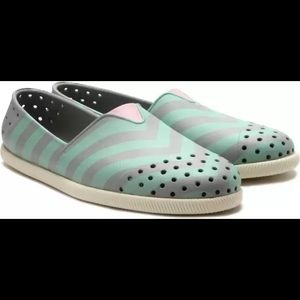 Native rubber water shoes
